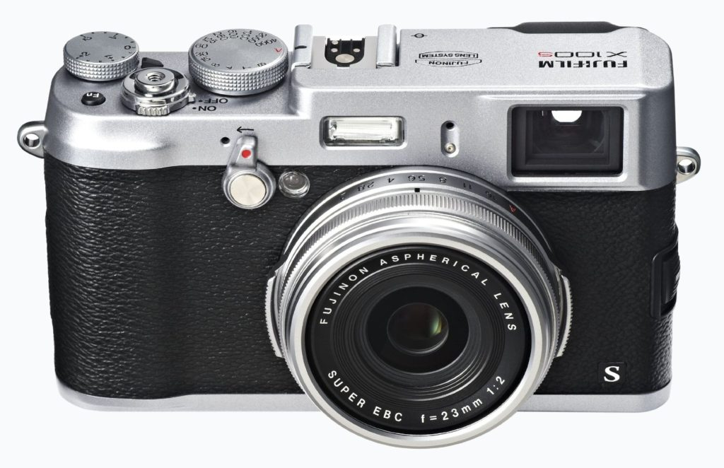 Amazon product sample image of the Fujifilm x100s lens