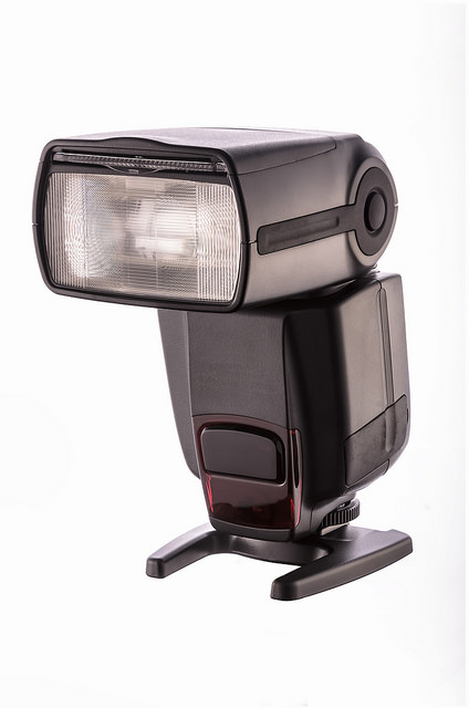 image example of a speedlight flash to teach introductory beginner photography