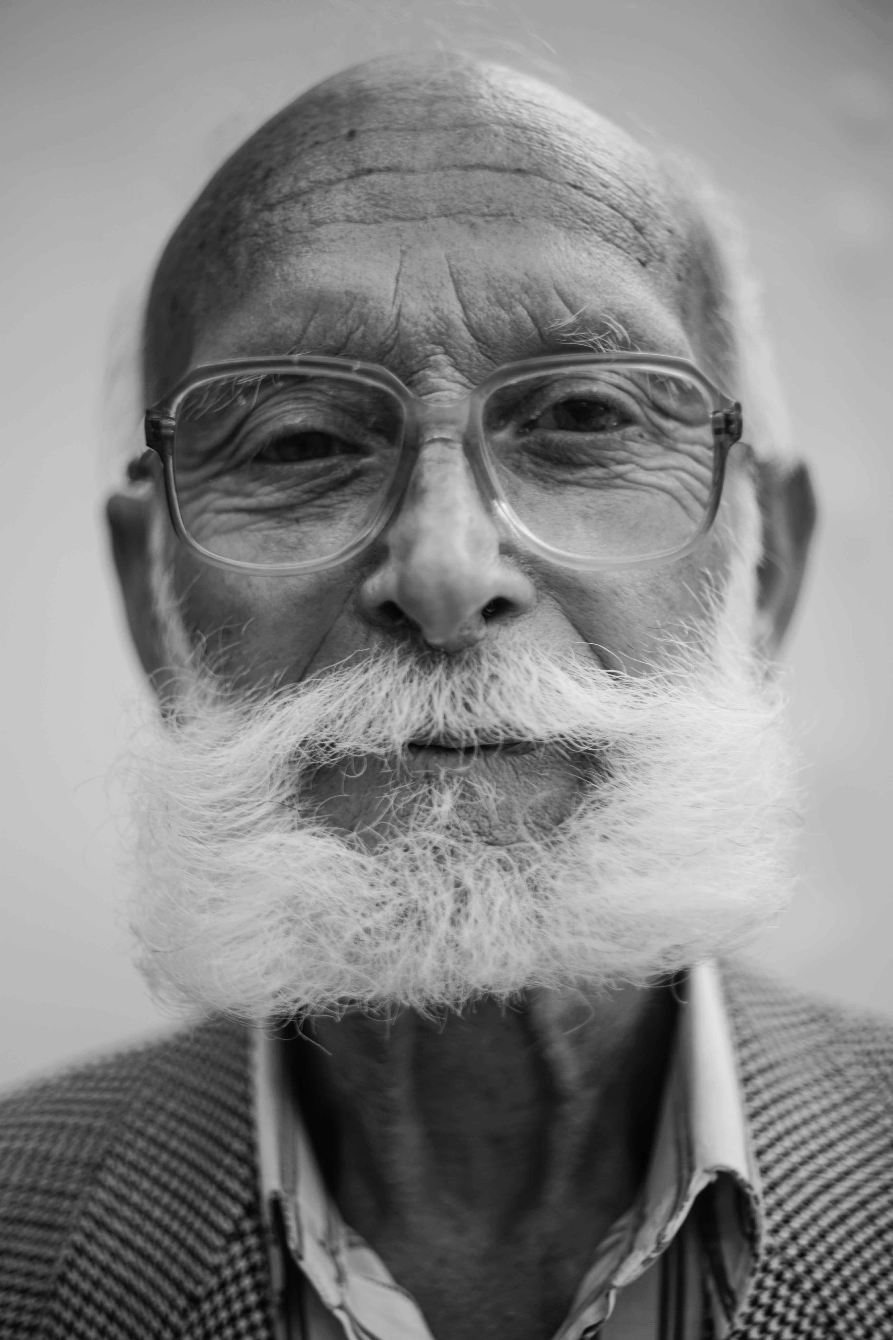 example image of a shallow depth of field portrait of an old man