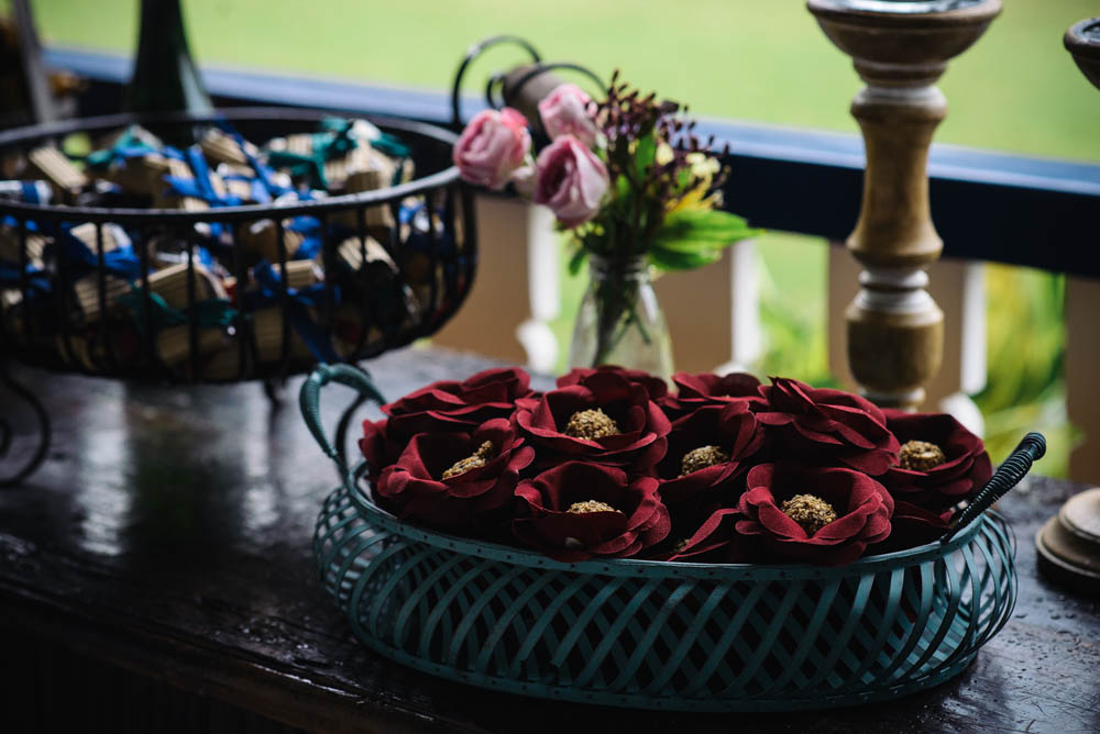 Image of candies shaped like flowers for wedding photography guests