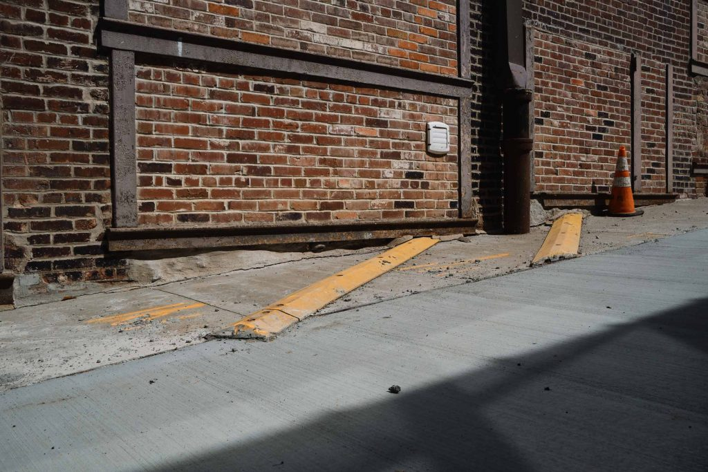 Cityscape photo of an alleyway in Kansas City shot with the Fujifilm 23mm f/2 R WR